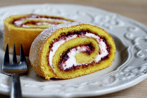 Sweet Strawberry Roulade