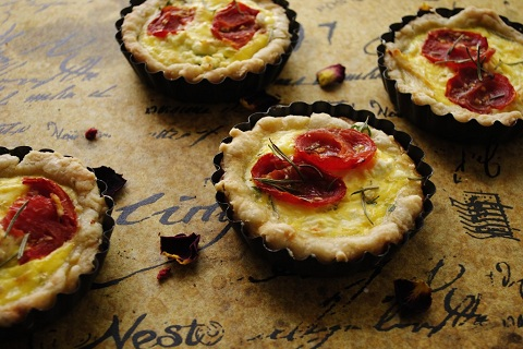 Roasted Tomato, Arugula and Feta Cheese Mini Quiche