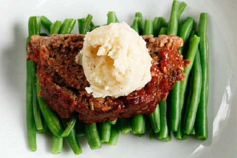 Sirloin and Sausage Meatloaf with Mashed Potatoes