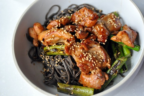 Sesame Black Bean Noodles with Asparagus and Chicken
