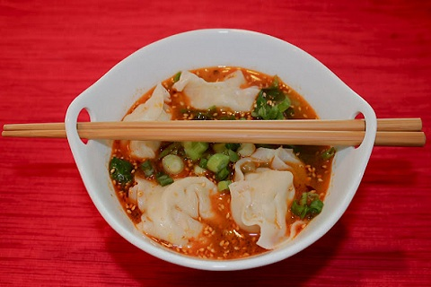 Wonton Soup in Spicy Sauce