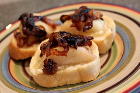 Brie, Pear & Caramelized Onion Bruschetta