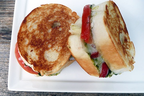 Mini Caprese Grilled Cheese Sandwiches from Sumptuous Spoonfuls