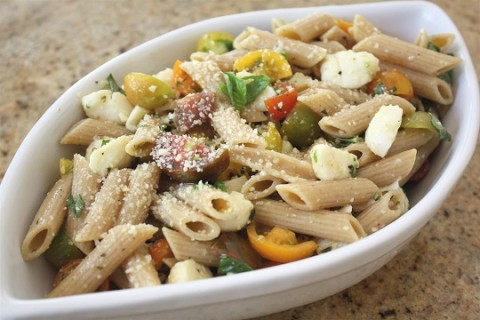 Easy Baby Heirloom Tomato and Mozzarella Pasta Salad