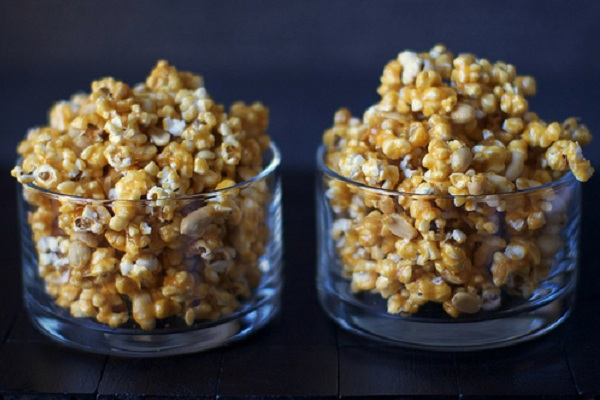 Spicy Caramel and Peanut Popcorn