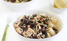 Pasta with Tuna and Black Olive Vinaigrette_th